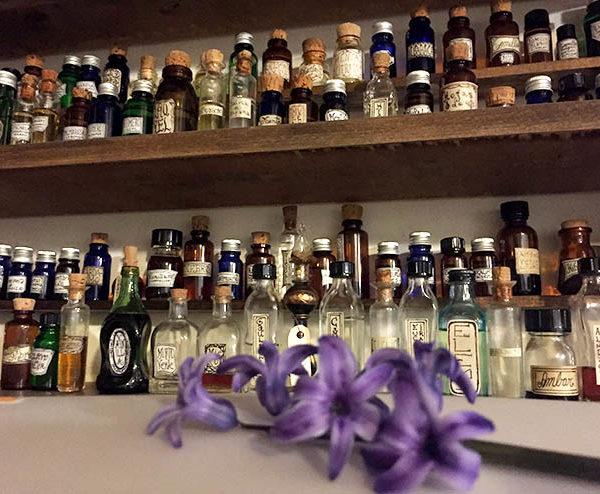 organo de aceites esenciales, absolutos y esencial aromática