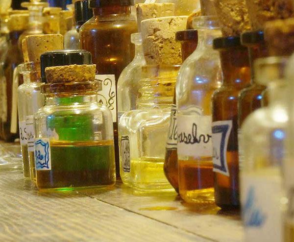curso de perfumería profesional en barcelona aceites esenciales
